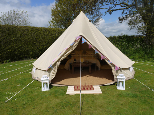 Wiltshire bell tent hire : tent accommodation - memphite.com